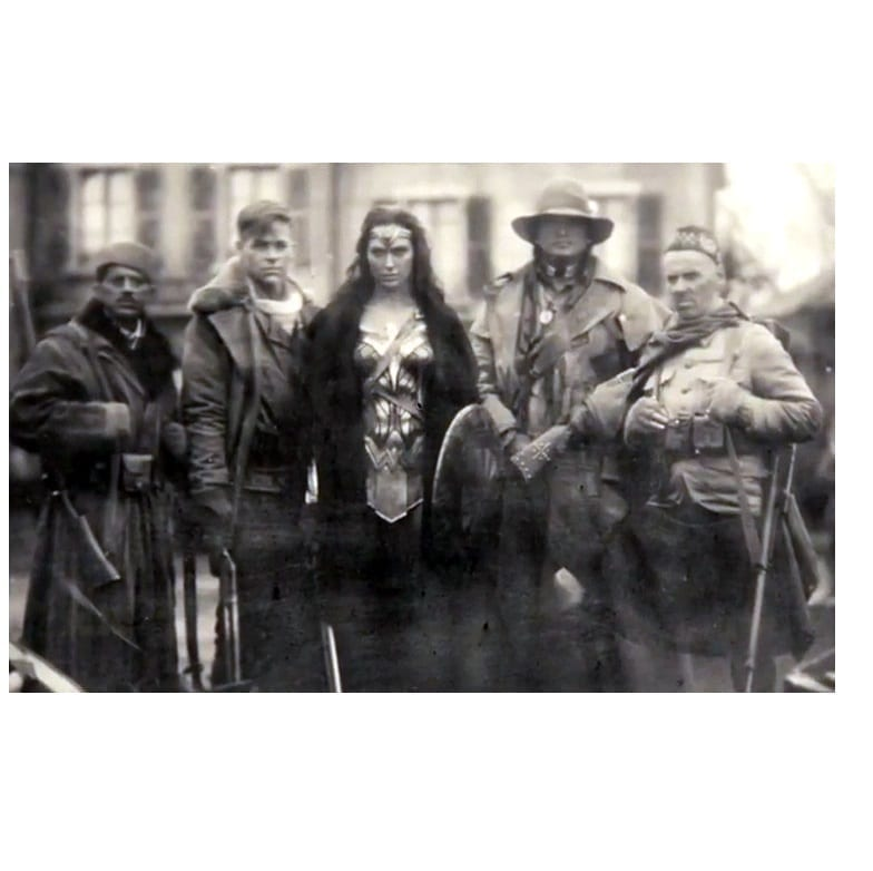 Fotografía Wonder Woman Poof B Wonder Woman DC Comics Primera Guerra Mundial