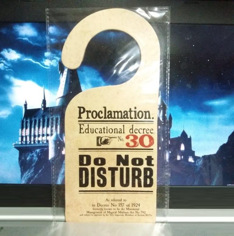 Colgador de Puerta Proclamación No Molestar Poof B Harry Potter Fantasia