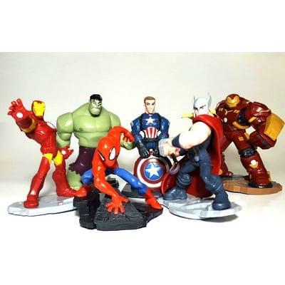 Figura Avengers PT Avengers Marvel Base Negra