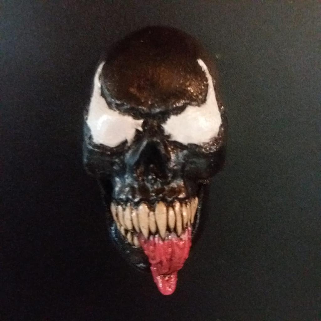Imán Venom Rotten Kidney Skull Magnet Venom Marvel