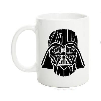 Mug Tallado Darth Vader TooGEEK Star Wars Casco Fondo Blanco