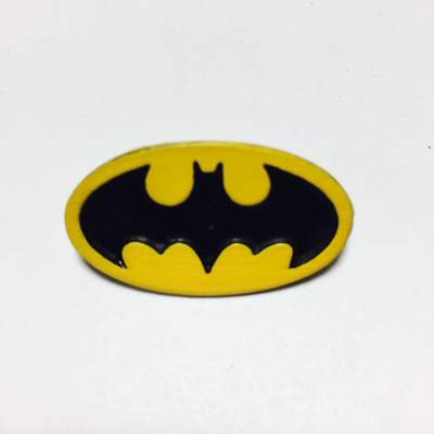 Pin Metálico Logo Batman Clásico TooGEEK DC Comics