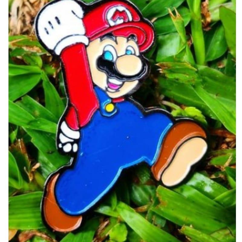 Pin Metálico Mario Bros Videojuegos Saltando Color
