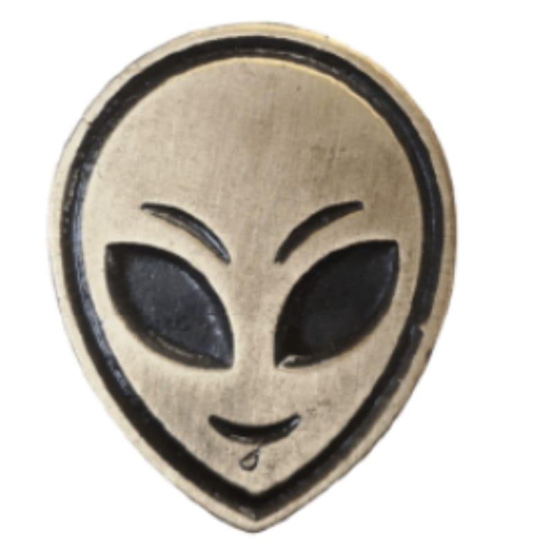 Pin Metálico Alien Bric A Brac Iconos Cara