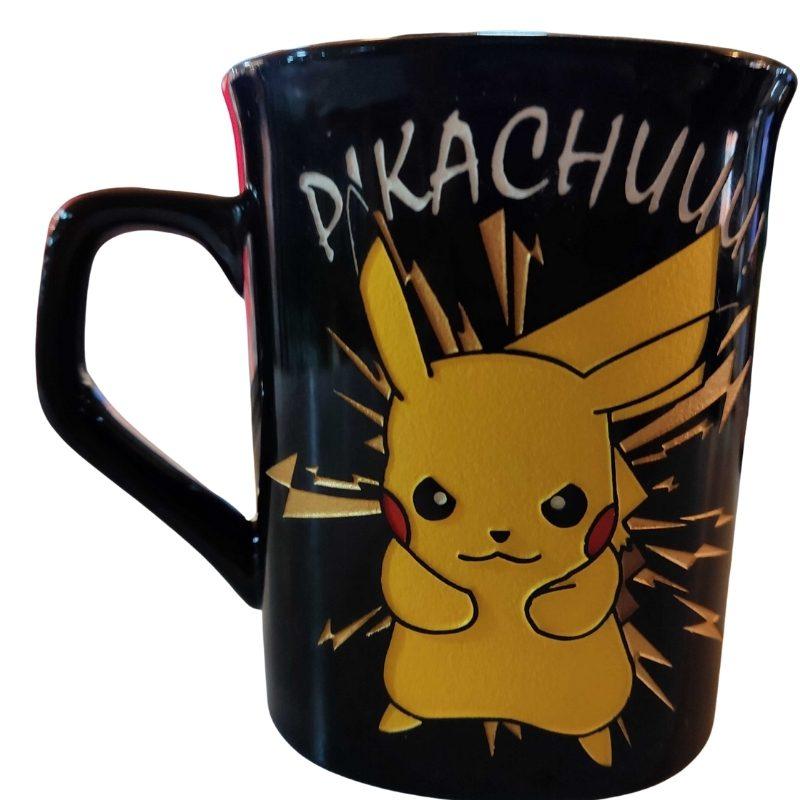 Mug Tallado Pikachu TooGEEK Pokemon Anime Impactrueno