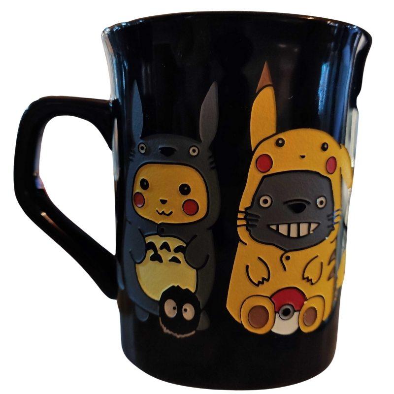 Mug Tallado Pikachu y Totoro TooGEEK Pokemon Anime Disfrazados