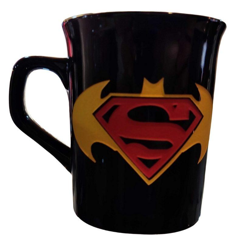 Mug Tallado Super Man Logo TooGEEK DC Comics